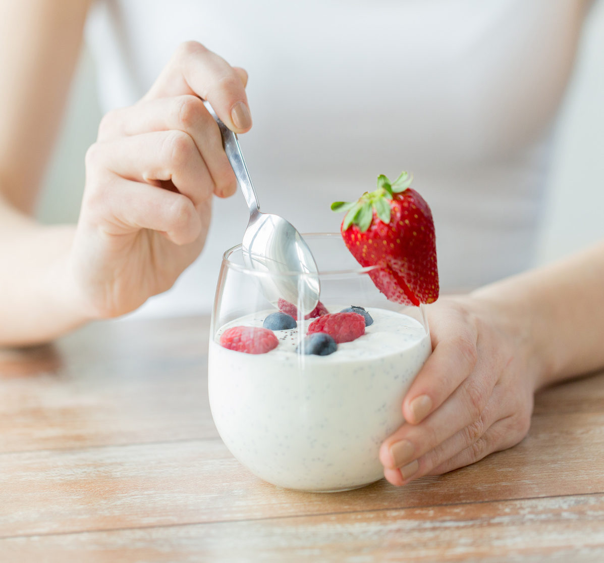 probiotic foods | RSC Bay Area | bowl of probiotic yogurt and fruit